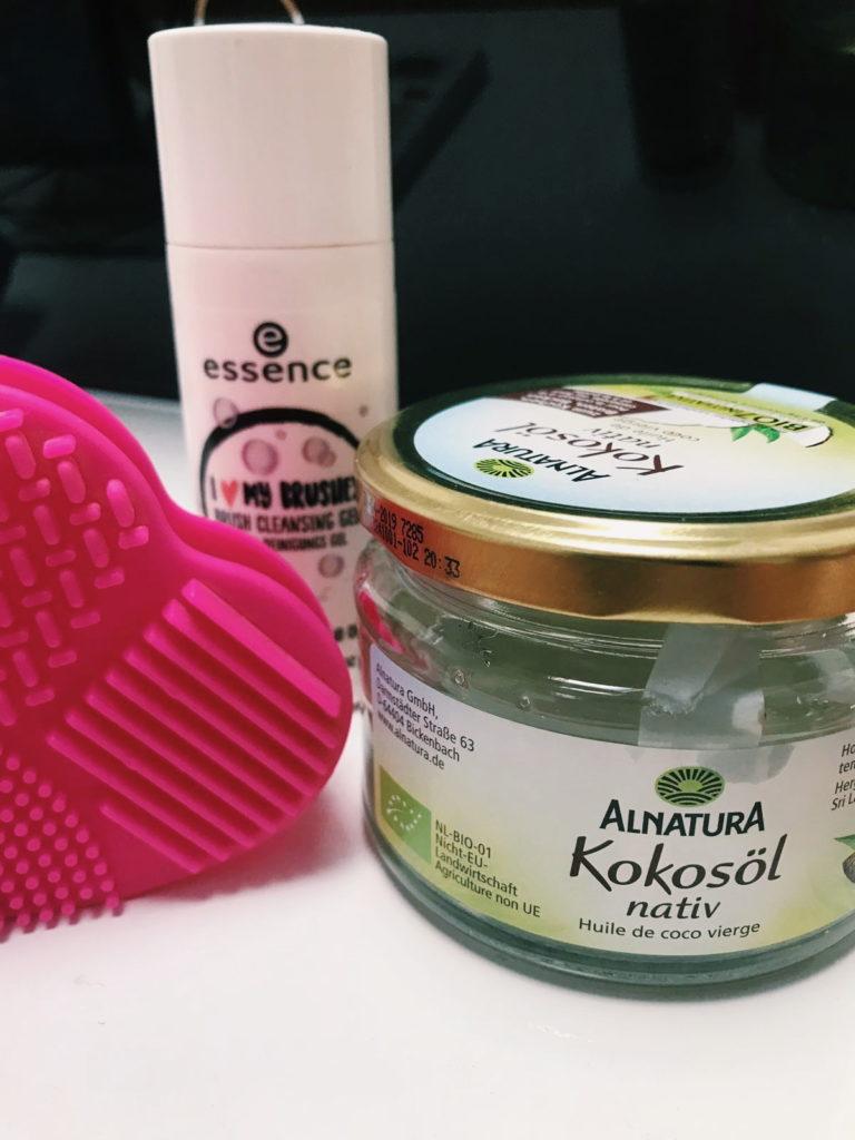 Kako čistim kistove i spužvice za šminkanje
