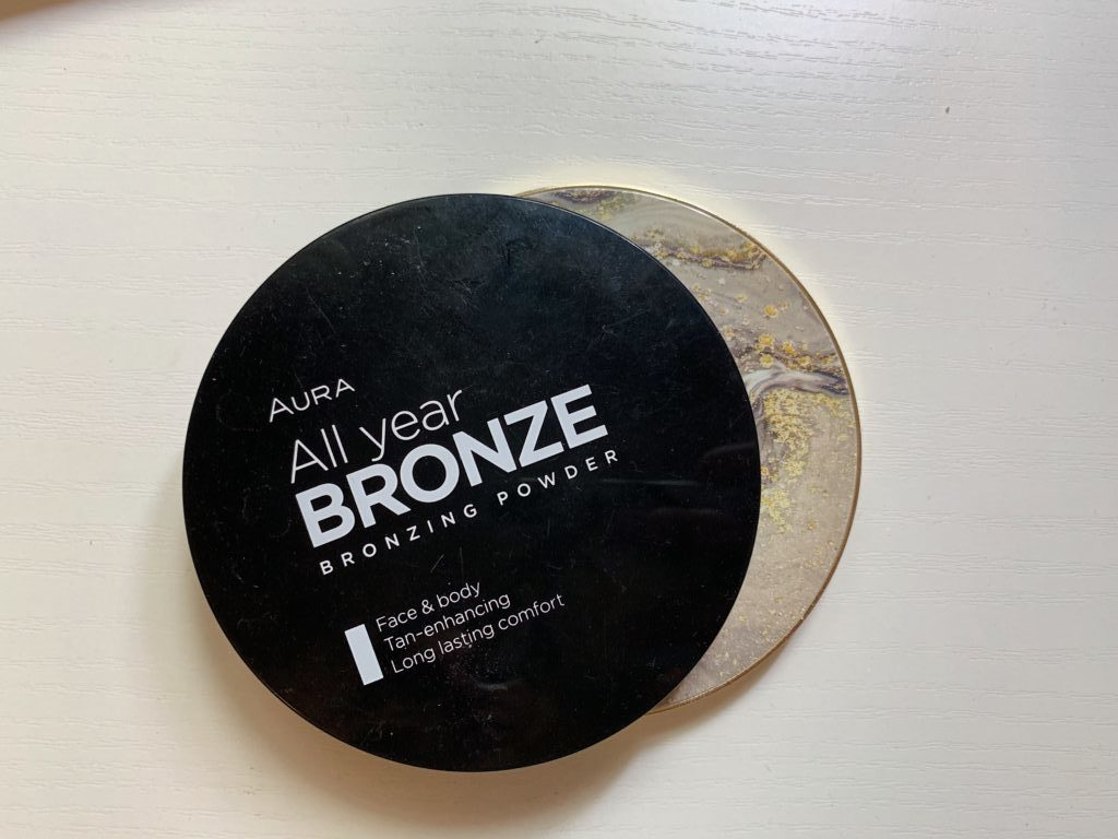 Aura All Year Bronze bronzer