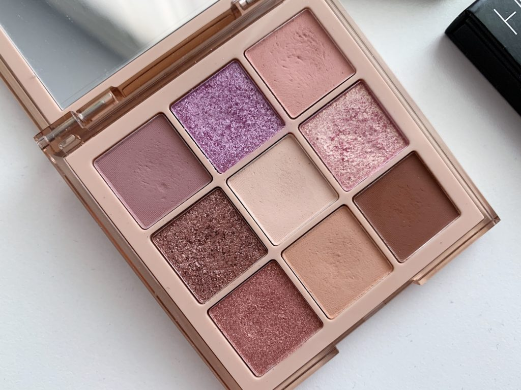 Huda Beauty NUDE Obsessions light paleta
