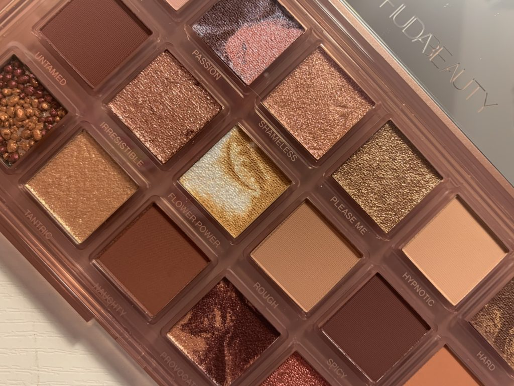 Huda Beauty Naughty Nude paleta